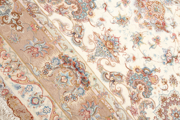 Persian Tabriz Signed Carpet - Fine Silk and Wool - Central Medallion - Approx 3x2m (10x7ft) Light complexion on ivory base with pink and orange accents