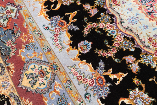 Persian Tabriz Fine Carpet - Silk and Wool - Elaborate Central Medallion - Approx 3x2m (11x7ft) Neutral complexion on black base